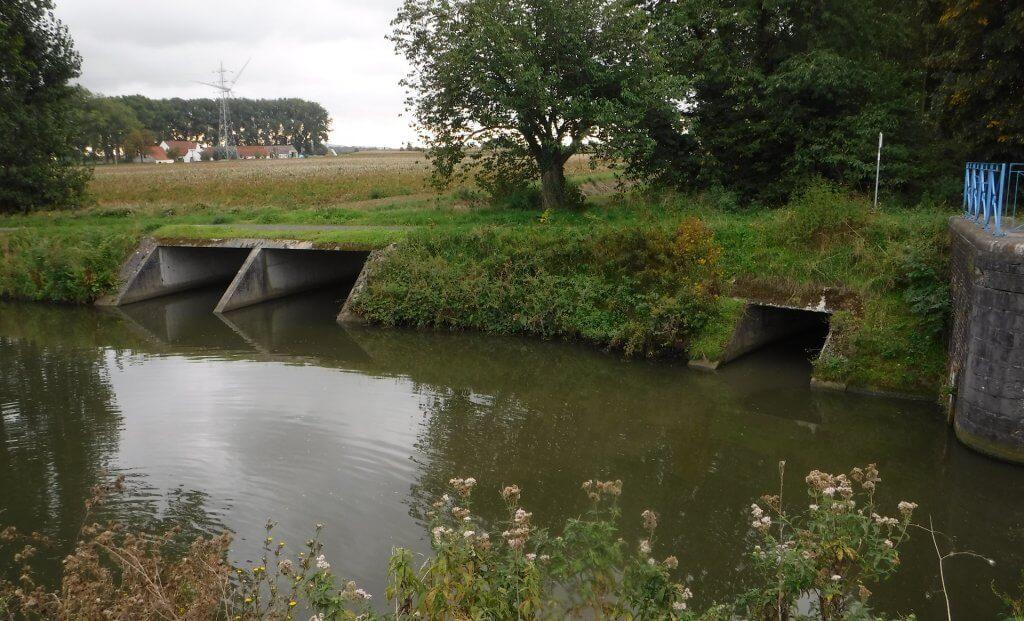 Photo cours d'eau grande espierres