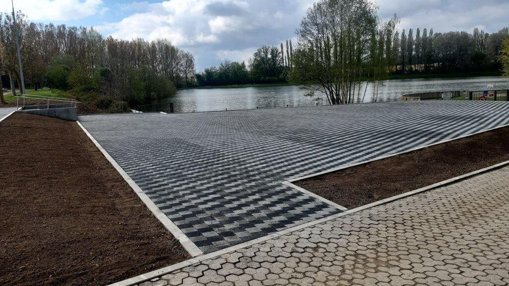 Accès PMR de la nouvelle terrasse Claire-Fontaine