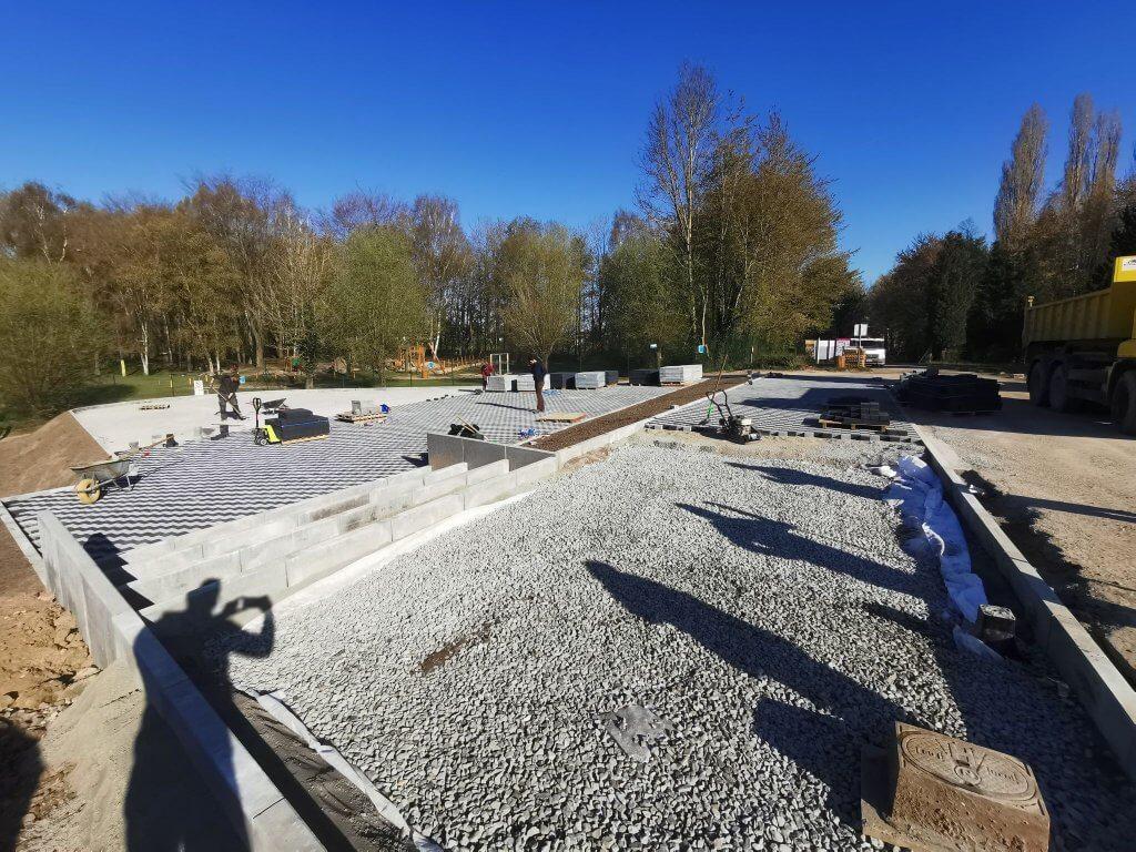 Travaux de terrassement au Domaine de Claire-Fontaine - pavés drainants